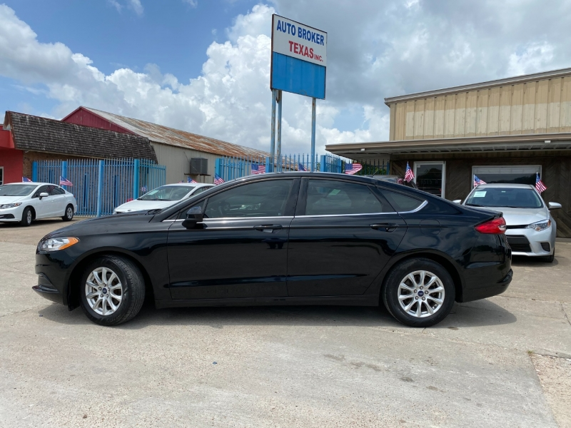 Ford Fusion 2018 price $17,900