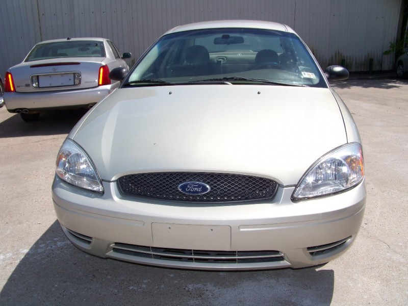 Ford Taurus 2007 price $2,900