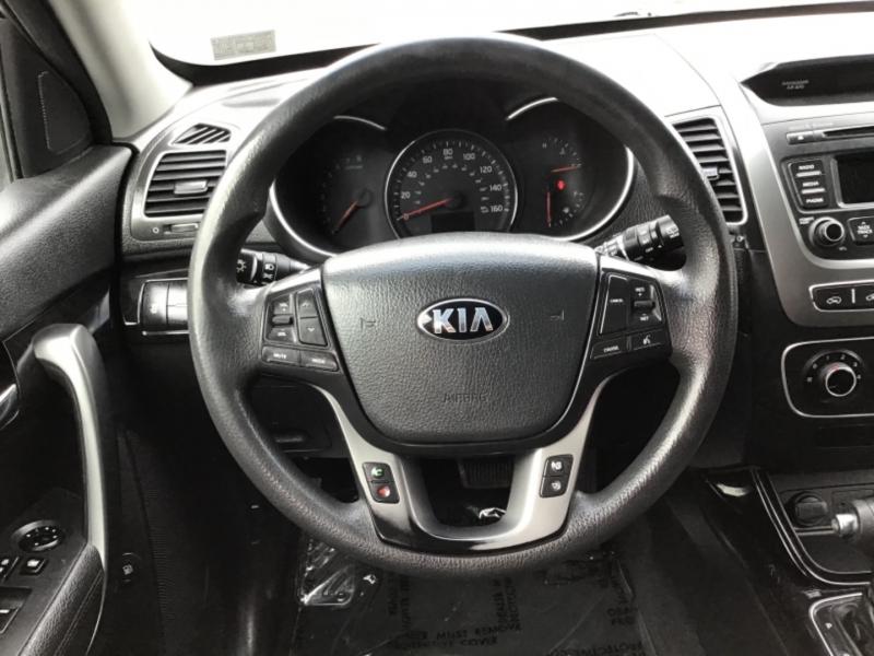 Kia Sorento 2015 price $18,999
