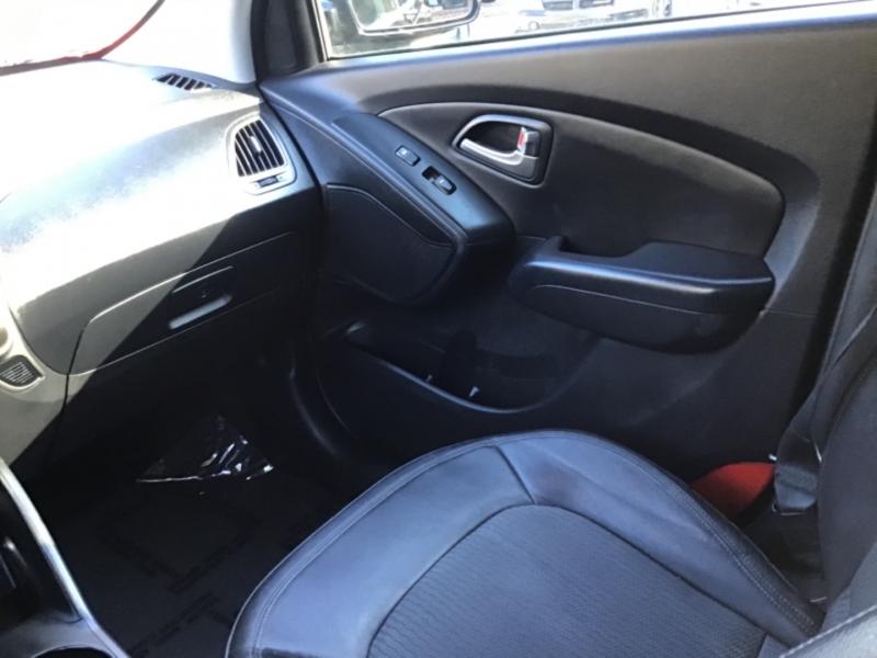 Hyundai Tucson 2012 price $18,999