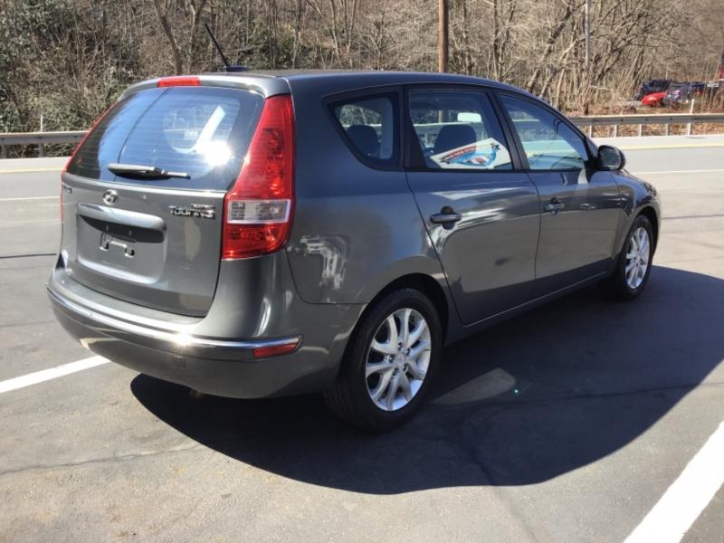 Hyundai Elantra 2009 price $13,999
