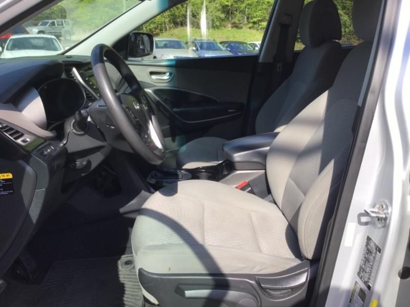 Hyundai Santa Fe 2013 price $21,999