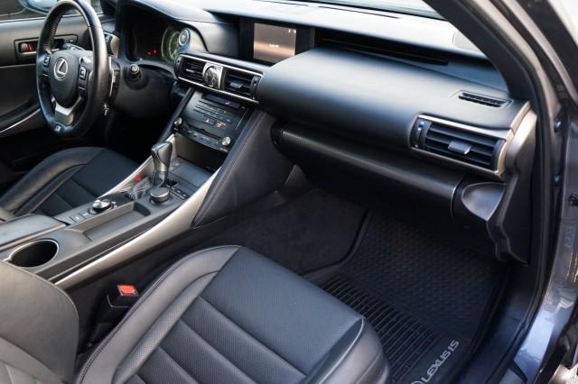 Lexus IS 2018 price $32,900