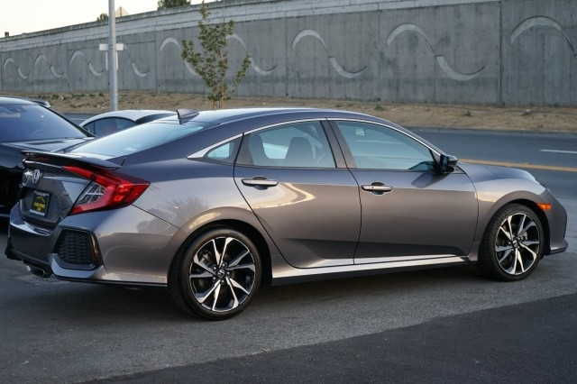 Honda Civic Si Sedan 2019 price $28,400
