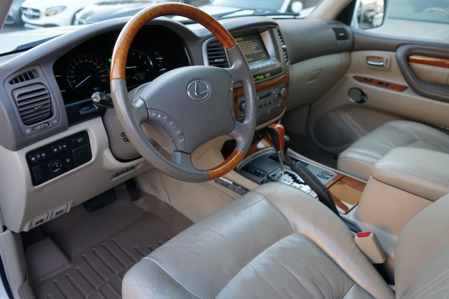 Lexus LX 470 2004 price $26,900