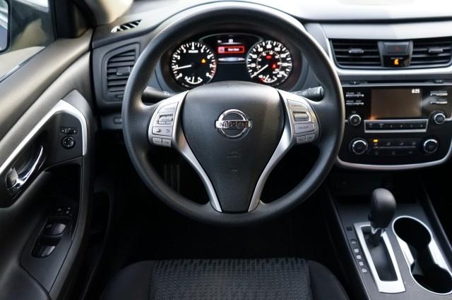 Nissan Altima 2016 price $16,500