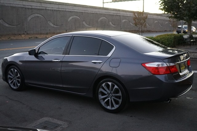 Honda Accord Sedan 2015 price $17,900