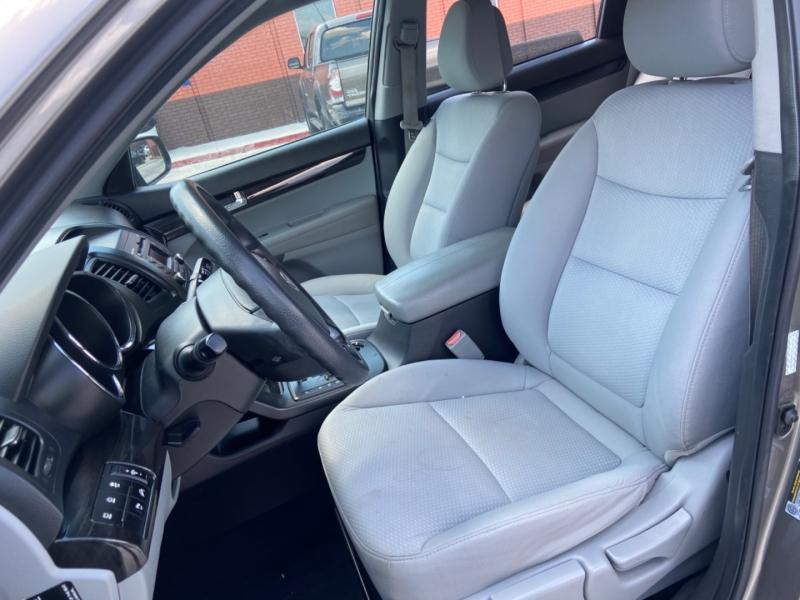 Kia Sorento 2011 price $5,795