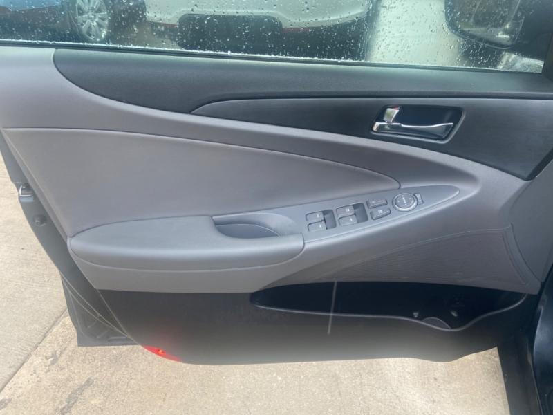 Hyundai Sonata 2011 price $5,500
