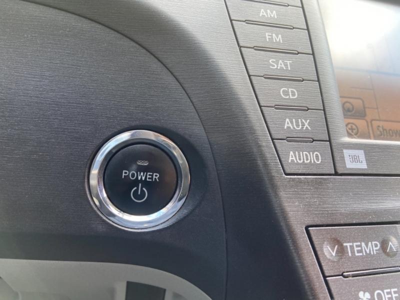 Toyota Prius 2010 price $5,650