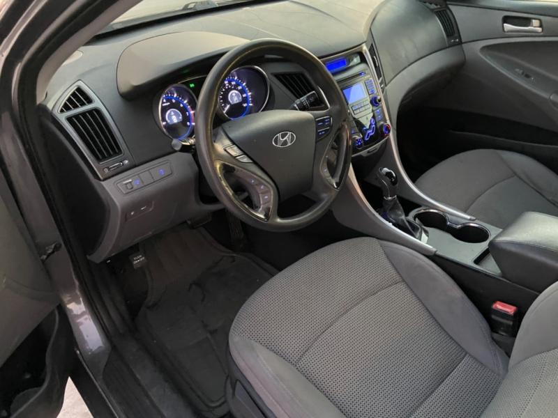 Hyundai Sonata 2011 price $4,900