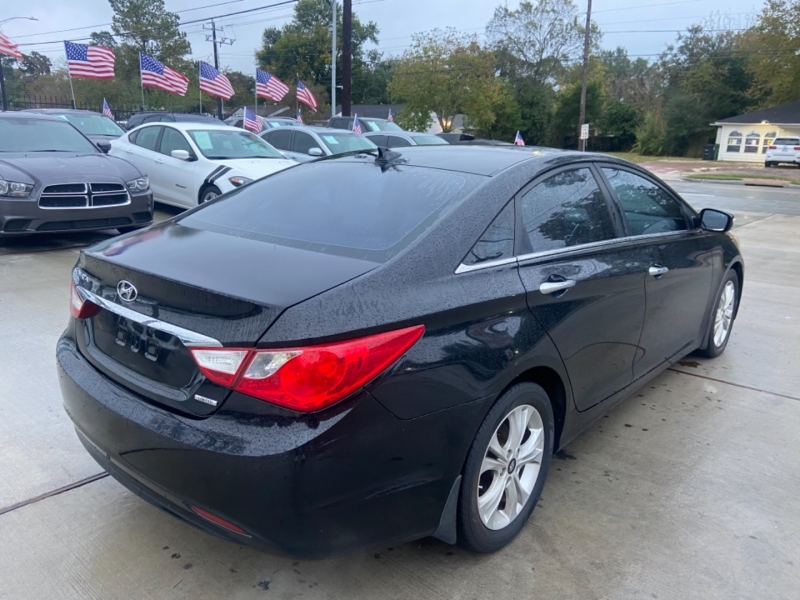 Hyundai Sonata 2013 price $5,600