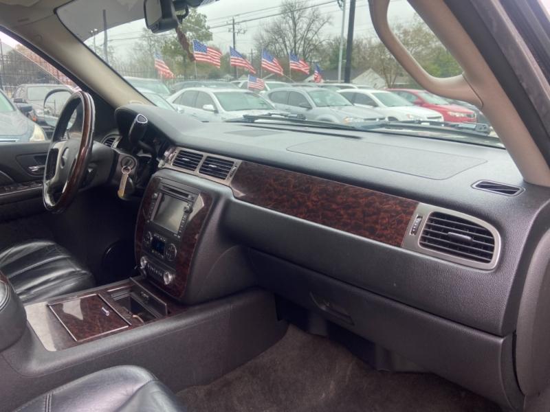 GMC Yukon XL 2007 price $8,900