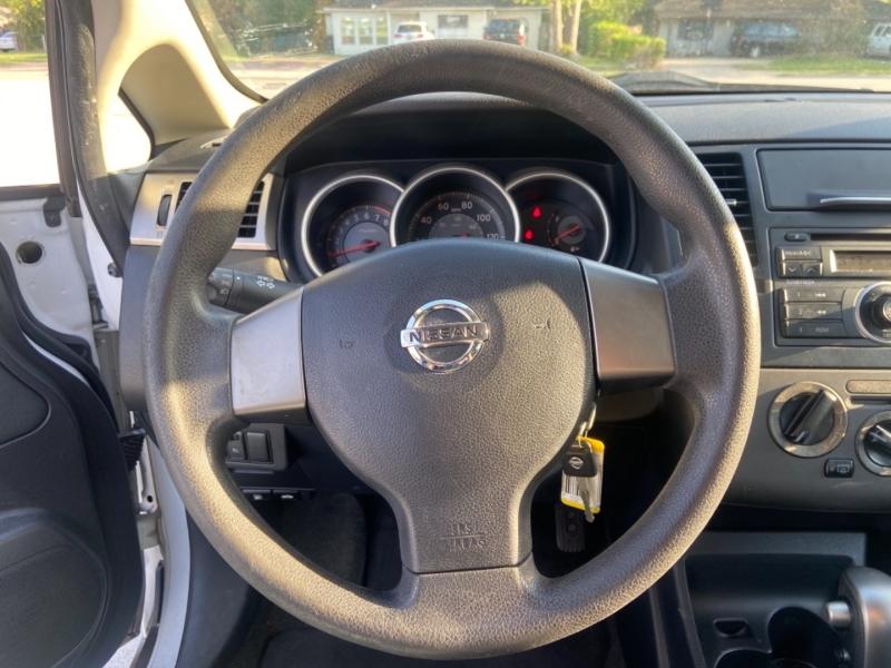 Nissan Versa 2009 price $3,750