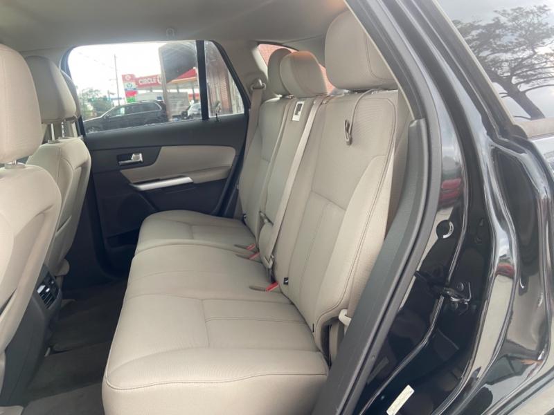 Ford Edge 2013 price $7,900