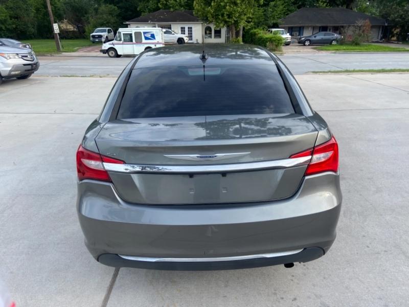 Chrysler 200 2012 price $5,200