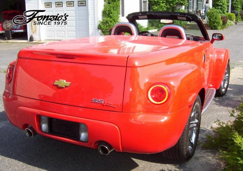 Chevrolet SSR 2004 price $32,500