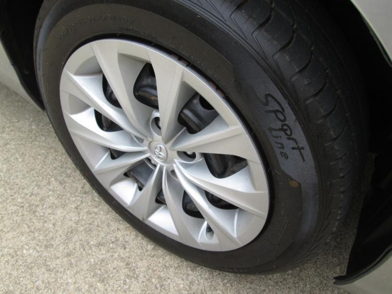 Toyota Camry 2015 price $15,495