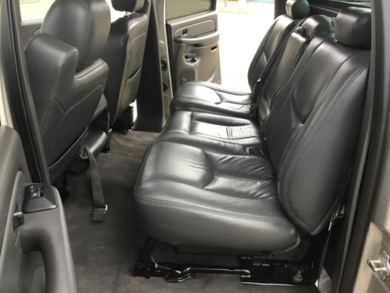 Chevrolet Avalanche 2004 price $10,495
