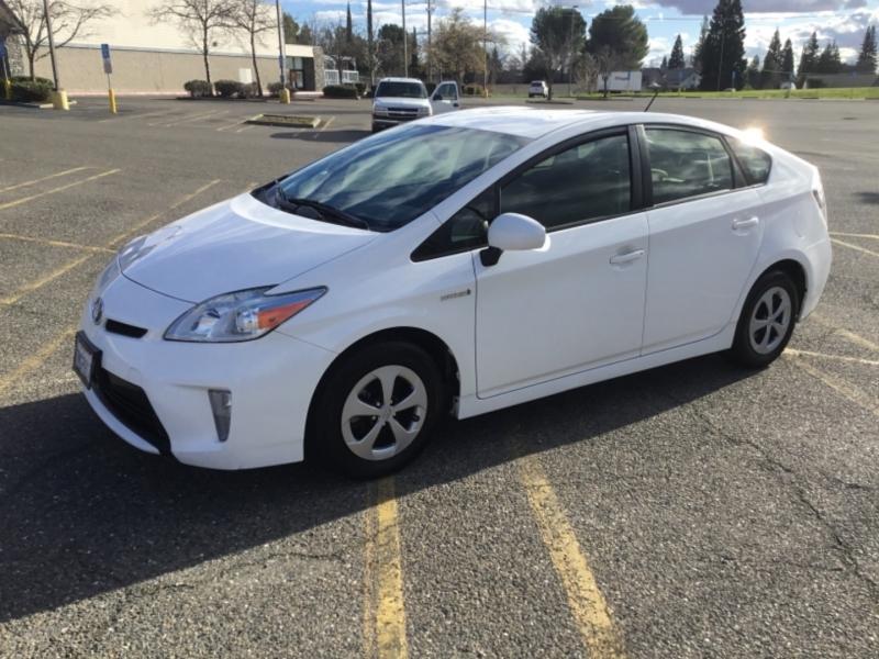 Toyota Prius 2015 price $7,995