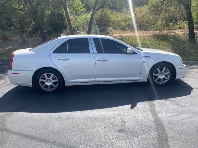 Cadillac STS 2011 price $9,495