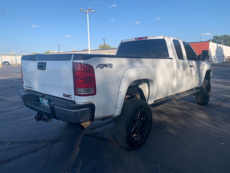 GMC Sierra 3500HD 2011 price $12,777