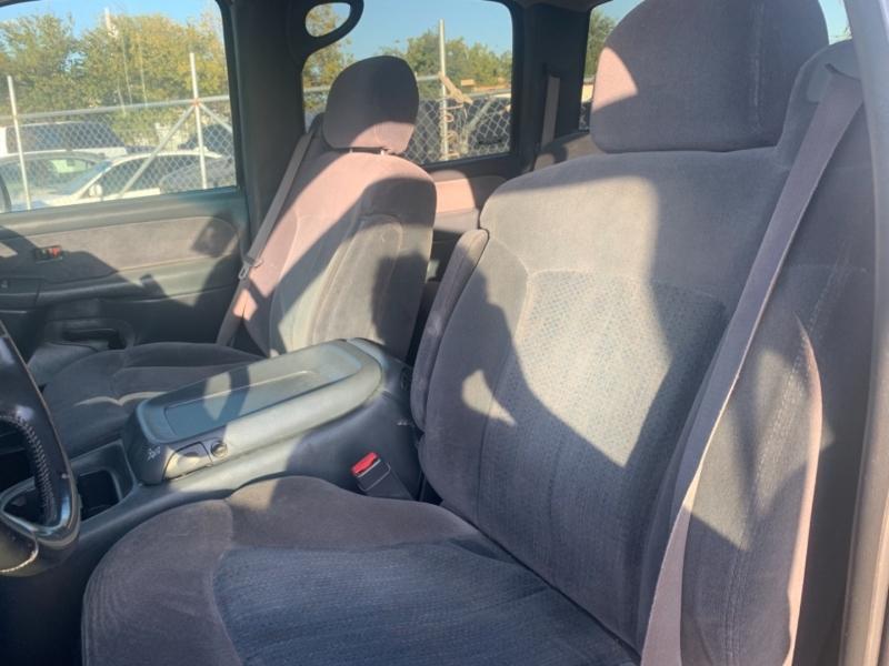 Chevrolet Silverado 2500HD 2002 price $11,995
