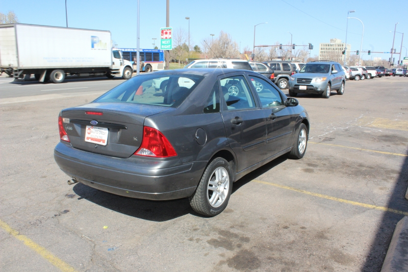 Ford Focus 2002 price Call for Pricing.