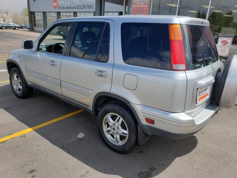 Honda CR-V 2001 price Call for Pricing.