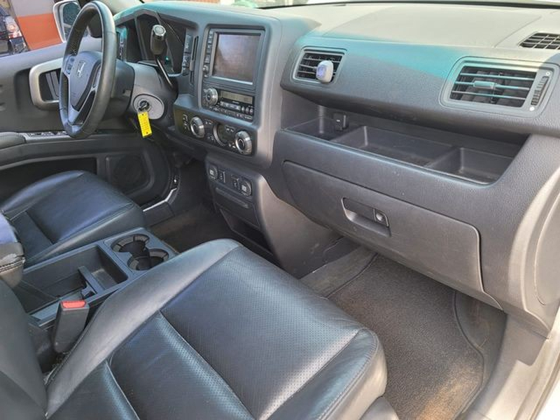 Honda Ridgeline 2009 price $12,900