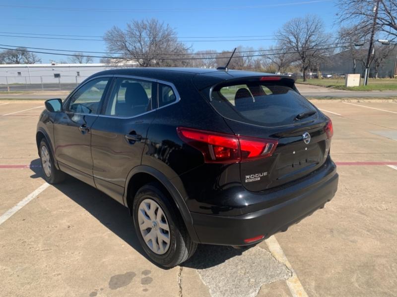 Nissan Rogue Sport 2019 price $20,995