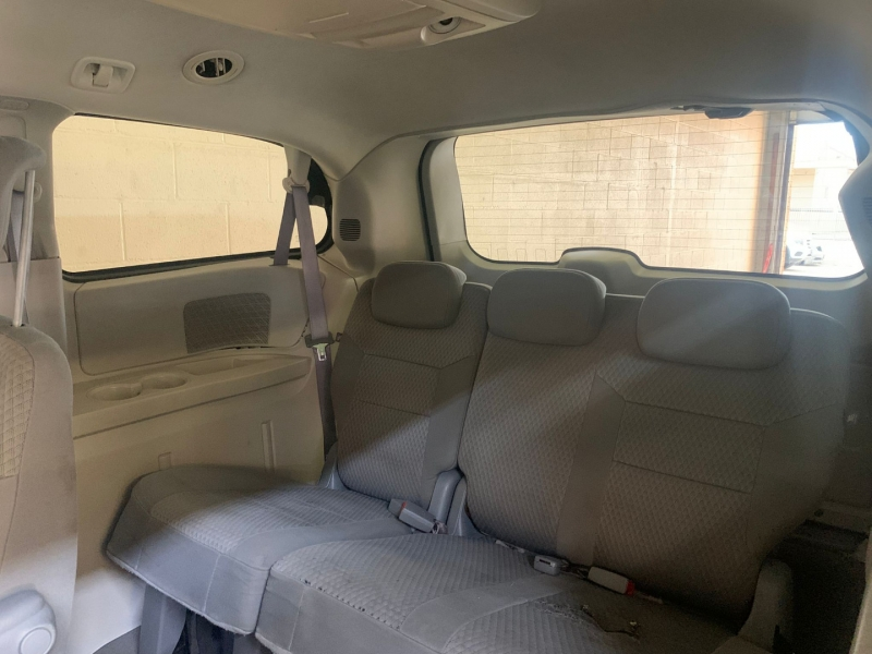 Chrysler Town & Country 2008 price $3,995