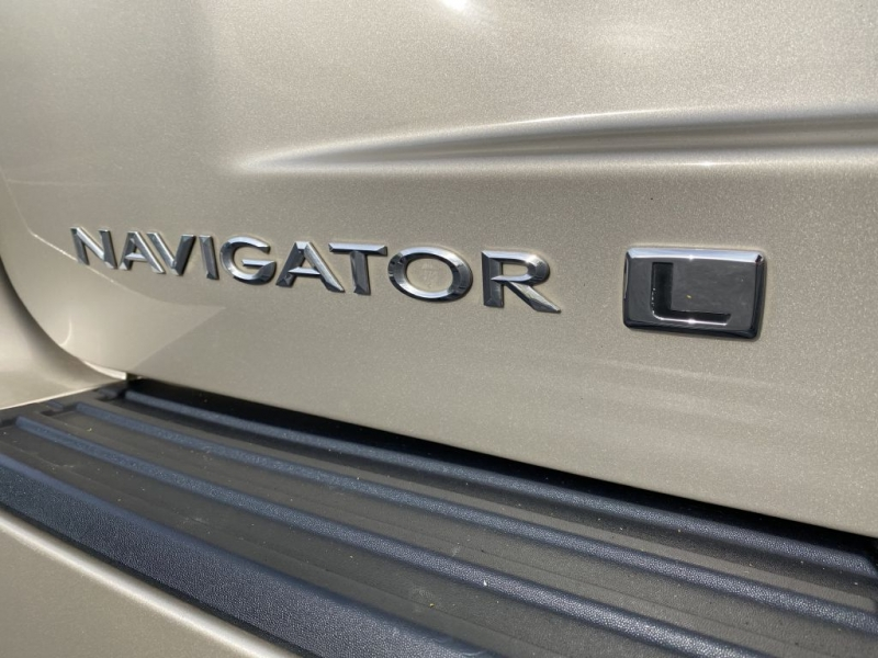 LINCOLN NAVIGATOR 2017 price $34,995