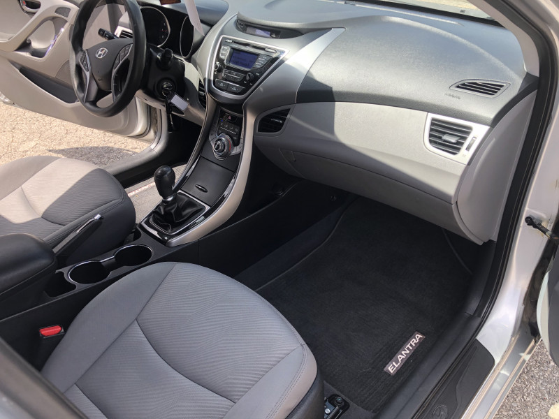 Hyundai Elantra 2013 price $4,995
