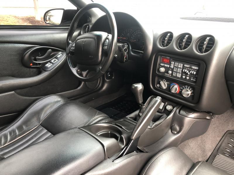 Pontiac Firebird 2001 price $29,995