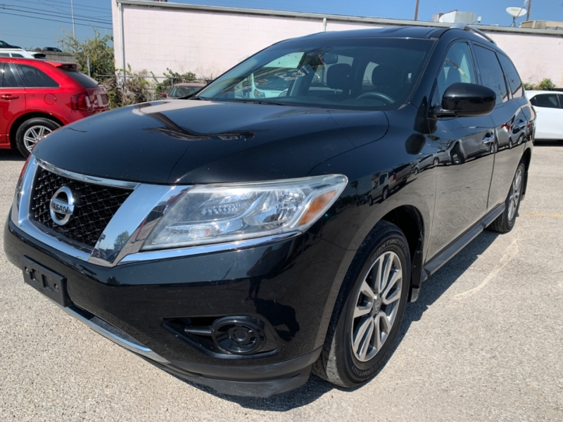 Nissan Pathfinder 2016 price $13,995