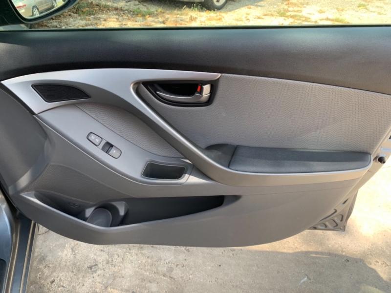 Hyundai Elantra 2013 price $4,999 Cash