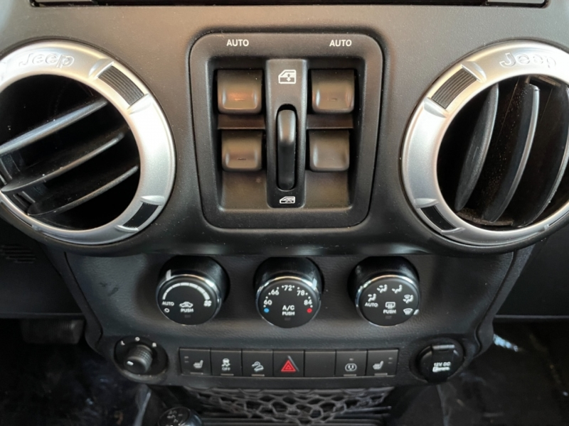 Jeep Wrangler Unlimited 2014 price $28,995