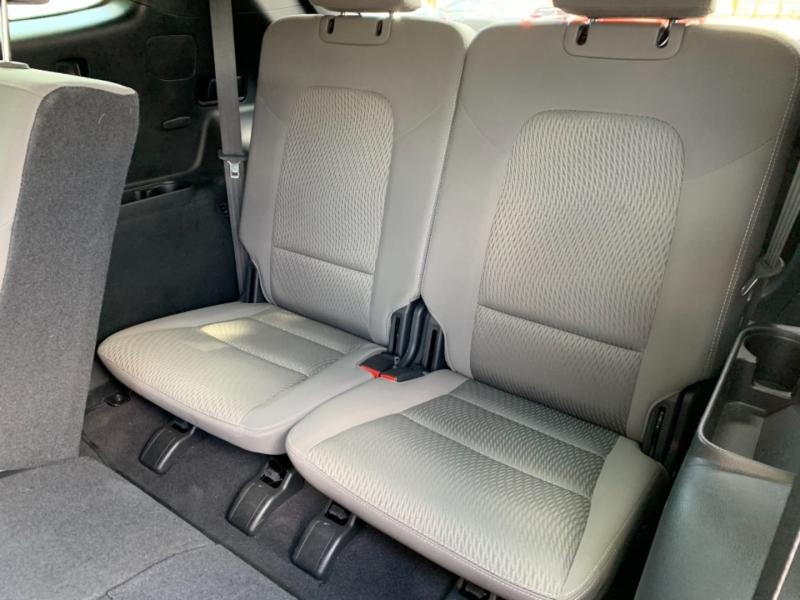 Hyundai Santa Fe 2017 price $18,995