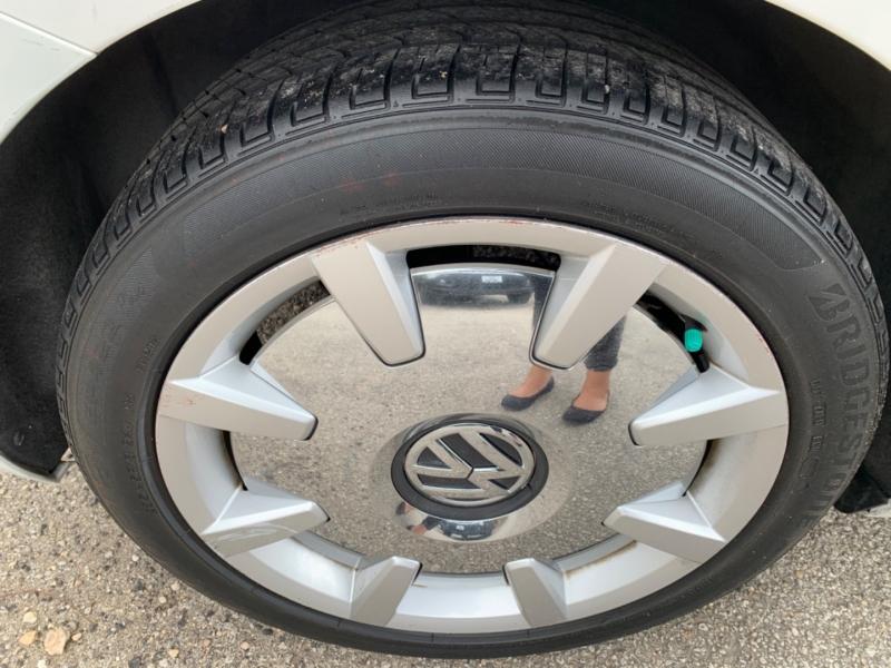 Volkswagen Beetle Coupe 2013 price $8,995