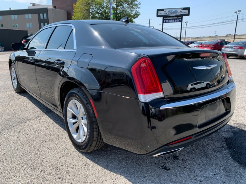 Chrysler 300 2015 price $15,995