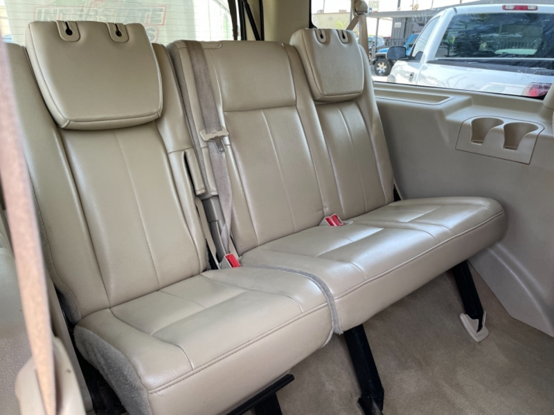 Ford Expedition EL 2012 price $12,995