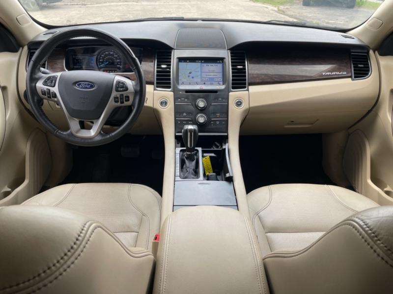 Ford Taurus 2016 price $15,995