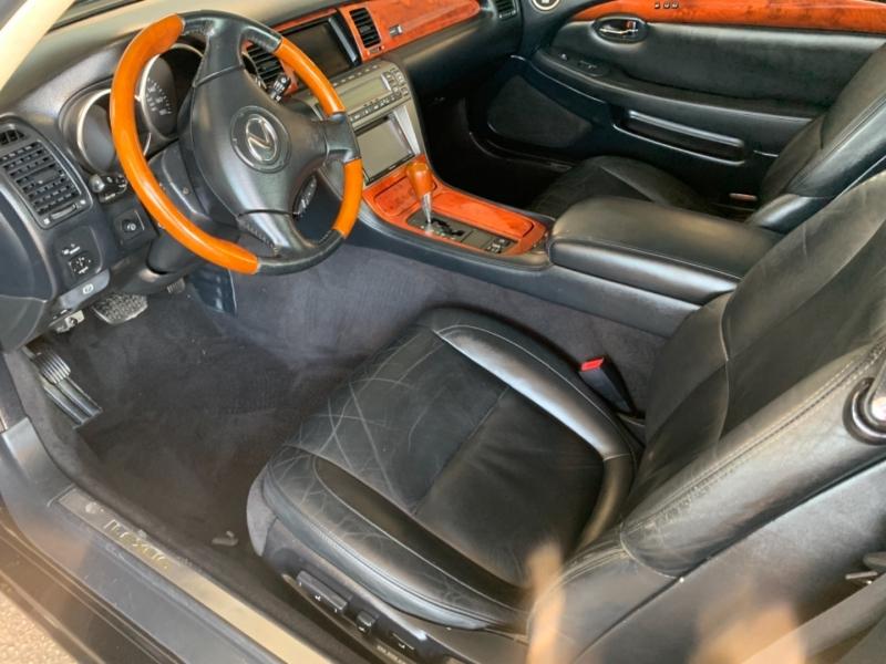 Lexus SC 430 2004 price $12,995