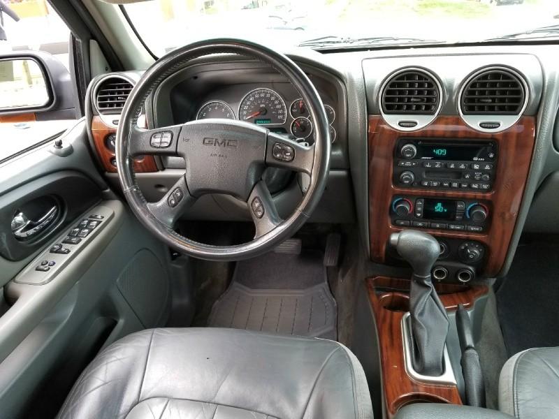 GMC Envoy 2002 price $4,265