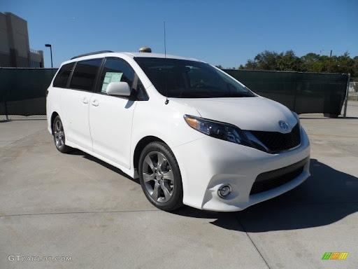 Toyota Sienna 2012 price $10,998