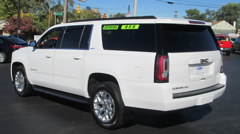 GMC YUKON XL SLE 4X4 2017 price $39,995