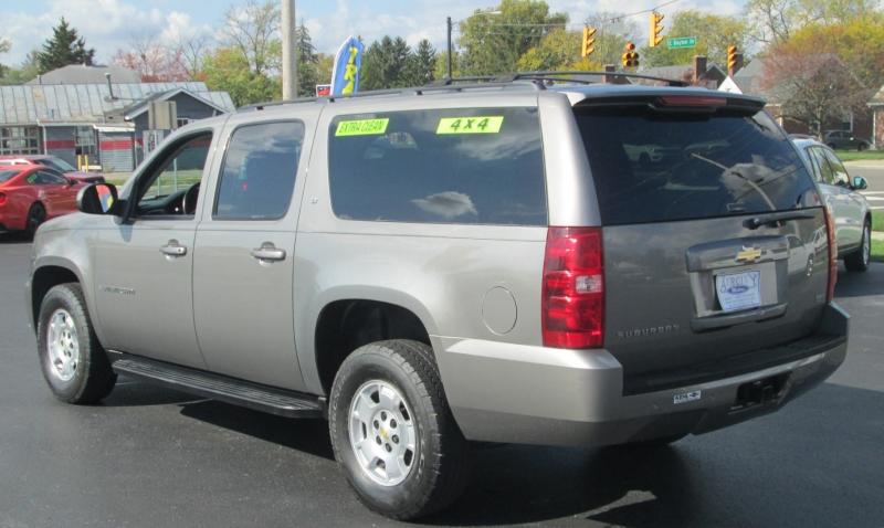 Chevrolet SUBURBAN LT 4X4 2009 price $13,995