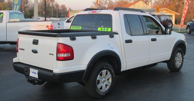 Ford EXPLORER SPORT TRAC 4X4 XLT 2007 price $15,995