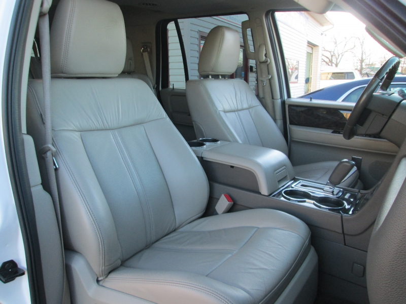 Lincoln NAVIGATOR LUXURY 4X4 2015 price $25,995